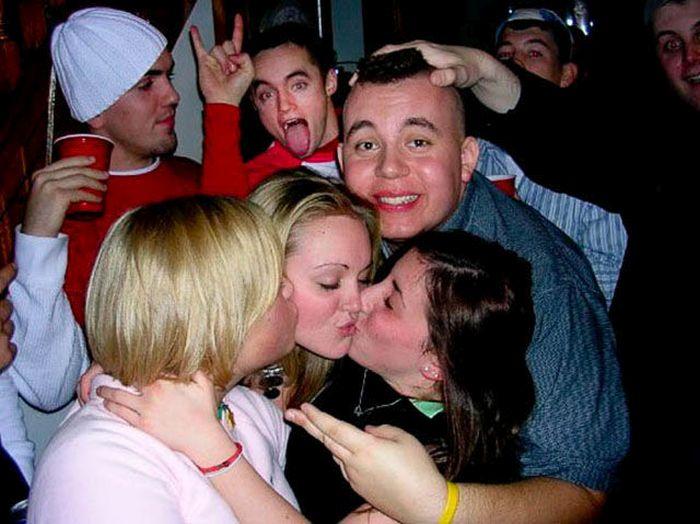 Guys Reacting To Girls Kissing Girls (64 pics)