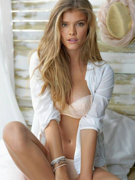 Nina Agdal Is A Sexy Dream Come True (99 pics)