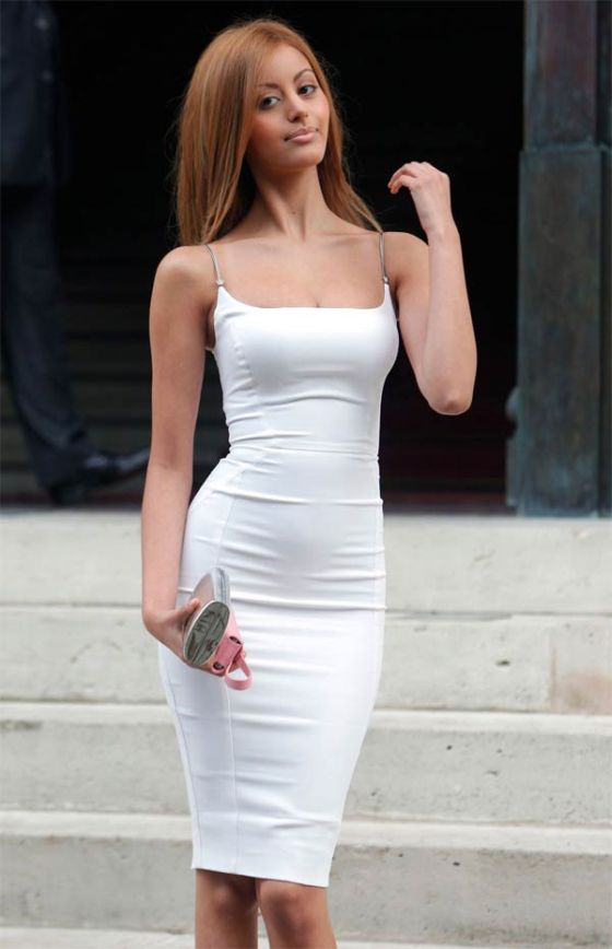 Zahia Dehar Wears The Tightest Dress (4 pics)