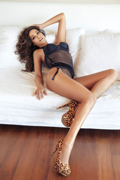 Tall Girls With Luscious Long Legs (47 pics)