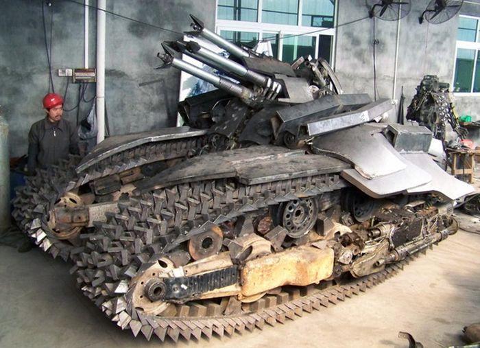 Transformers Fan Builds An Epic Megatron Tank (8 pics)