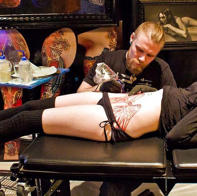 Terrifying Tattoo (6 pics)
