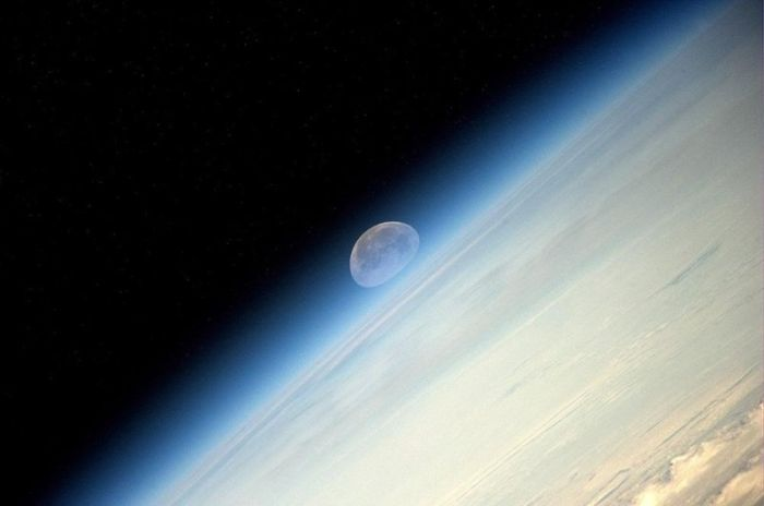 Pictures Of The Moon From The ISS (4 pics)