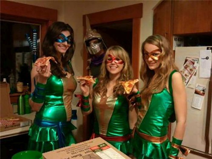 Sexy Teenage Mutant Ninja Turtles Cosplay (39 pics)