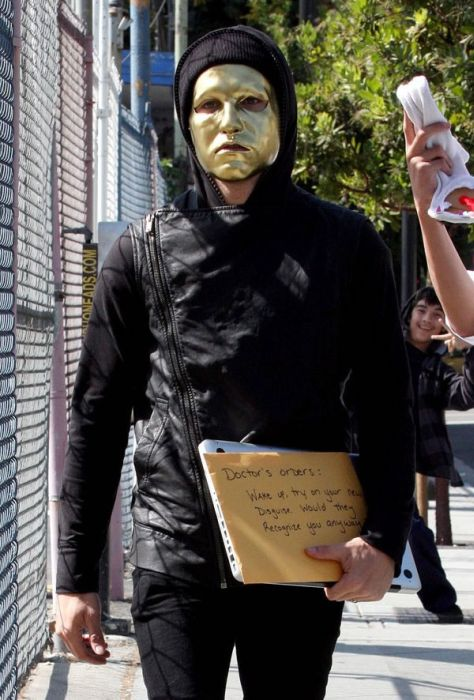 Hollywood Celebrities Trying to Be Incognito (27 pics)
