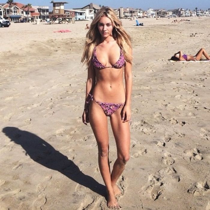 You Should Be Following Bryana Holly On Instagram (67 pics)