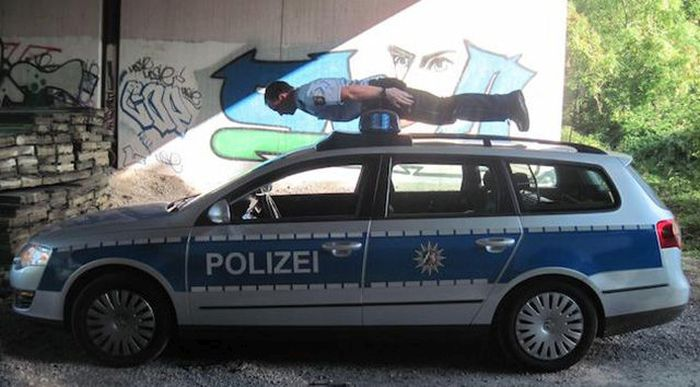 Sometimes Cops Can Be Fun Too (40 pics)