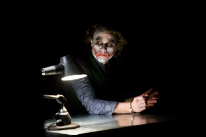 Candid Photos From The Dark Knight Interrogation Scene (32 pics)