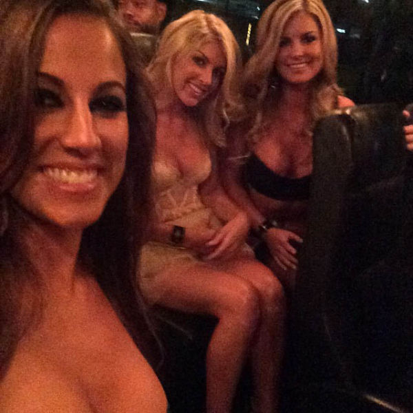 Party Pics Straight From The Playboy Mansion (57 pics)