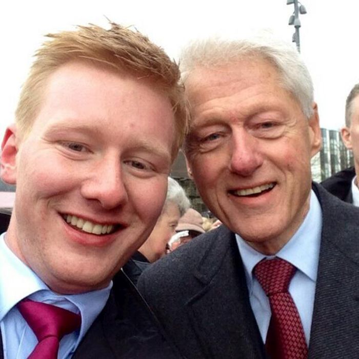 Bill Clinton Is The Commander In Chief Of Selfies (18 pics)