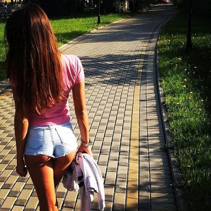 Underbutt Might Actually Be Sexier Than Underboob (77 pics)