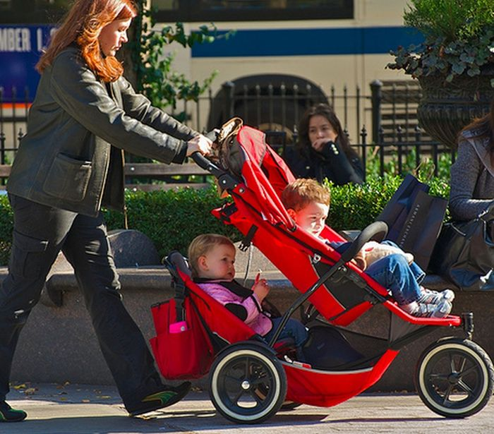 Baby Strollers Back In The Day And Today (19 pics)