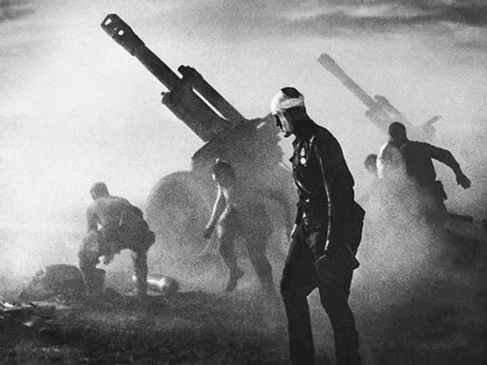 Rare Historical Photos From World War II (50 pics)