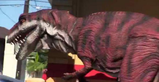Funny Dinosaur On The Street Prank
