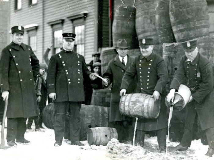 Historic Photos From The Prohibition Era (20 pics)