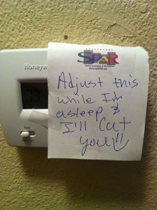 The Best And Worst Of Life With Roommates (23 pics)
