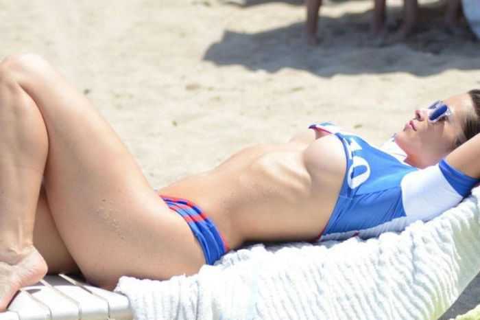 Anais Zanotti Shows Off Her Love For France In A Hot Bikini (7 pics)