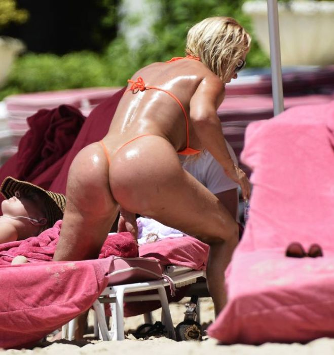 Ice-T Takes A Vacation With Coco Austin (21 pics)