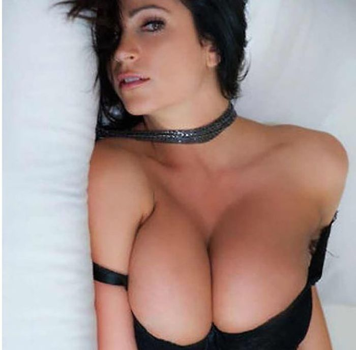 Hot Girls With Hot Curves That Will Drop Your Jaw (54 pics)