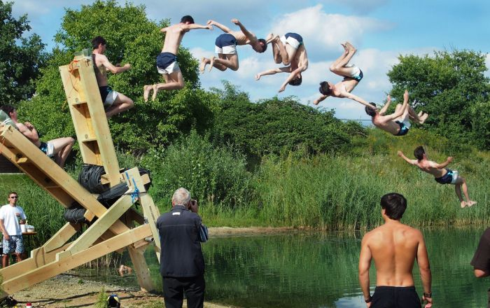 Fun Time With A Human Catapult (7 pics)