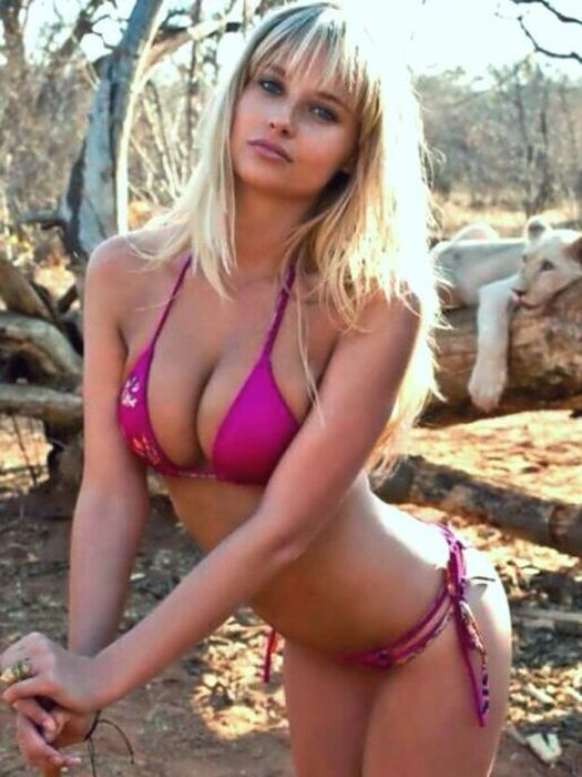Hot Babes In Skimpy Bikinis Is Always A Good Thing (48 pics)