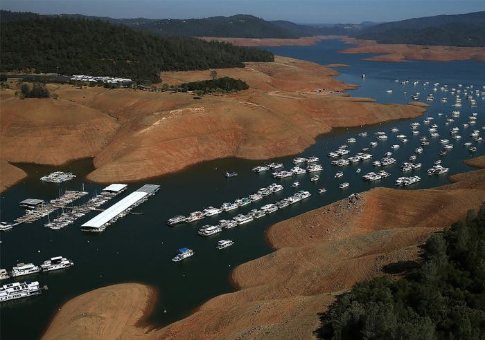 Before And After Photos Show The Severity Of The California Drought (14 pics)
