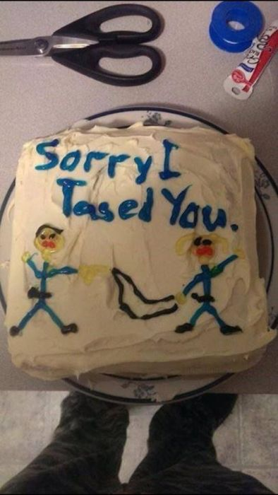 Cakes Make Life's Awkward Moments So Much Better (31 pics)