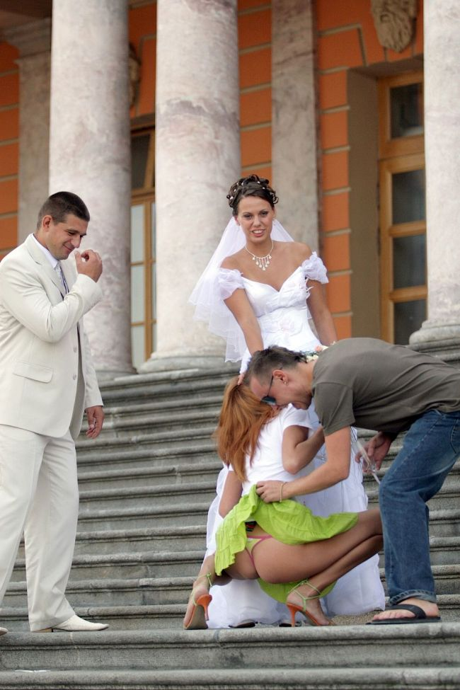 Drunk Bridesmaid (5 pics)