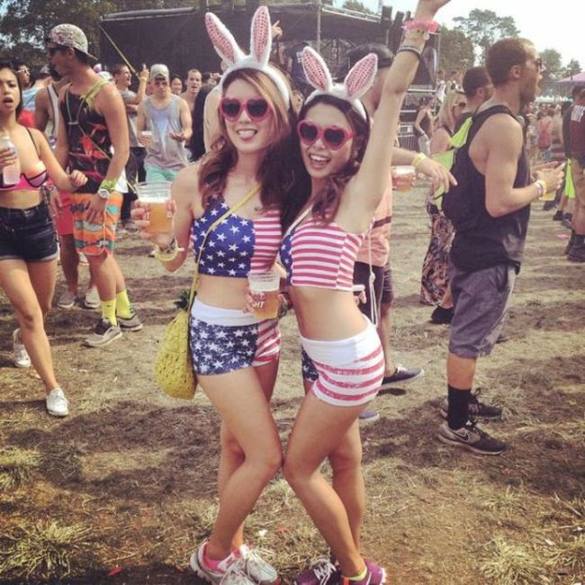 Girls of 2014's Electric Zoo Weekend (35 pics)