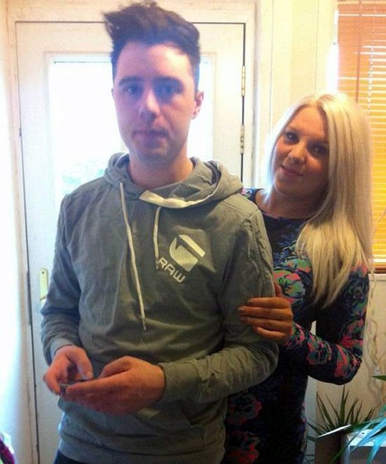 Guy Puts His Girlfriend On A T-Shirt (3 pics)