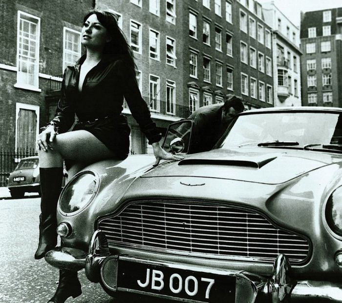 James Bond's Epic 1965 Aston Martin DB5 (30 Pics