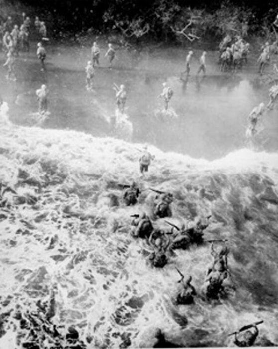 Rare Photos Of Everyday Life During World War II (36 pics)