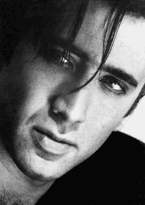 Celebrity Portraits In Black And White (88 pics)