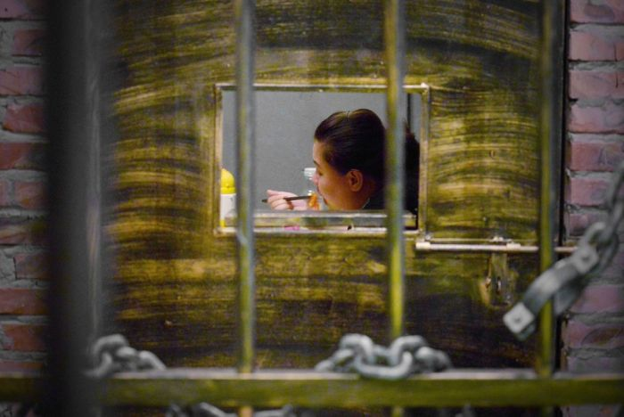 Prison Themed Restaurant In China (12 pics)