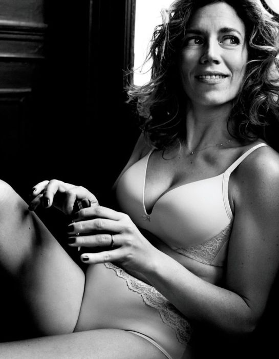 Ordinary Women In Their Underwear (26 pics)