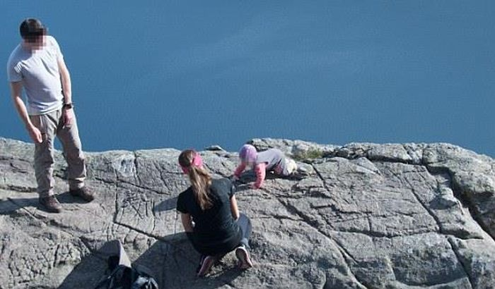 Crazy Parents from Norway (3 pics)