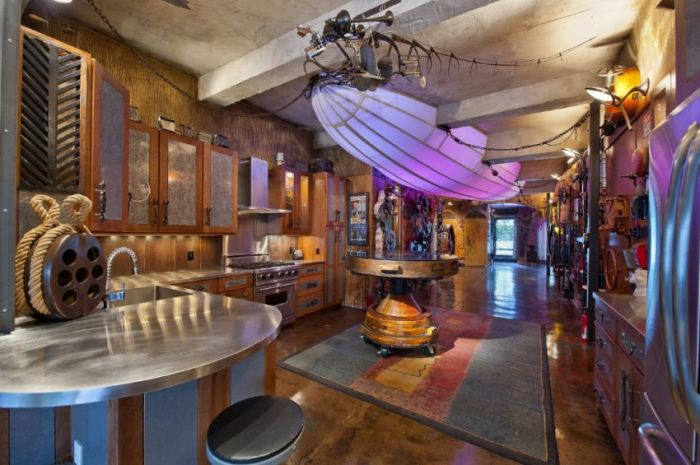 Incredible Movie Themed Homes (30 pics)