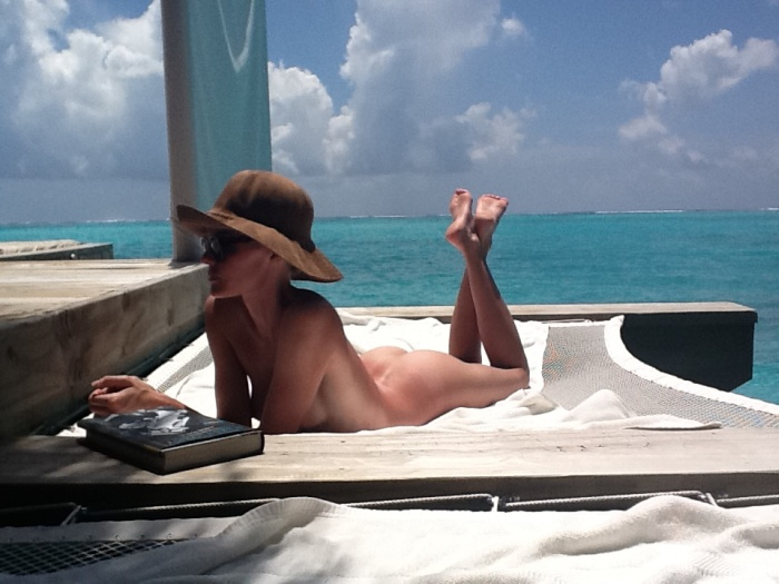 Kate Bosworth Cell Phone Photos Leaked (12 pics)