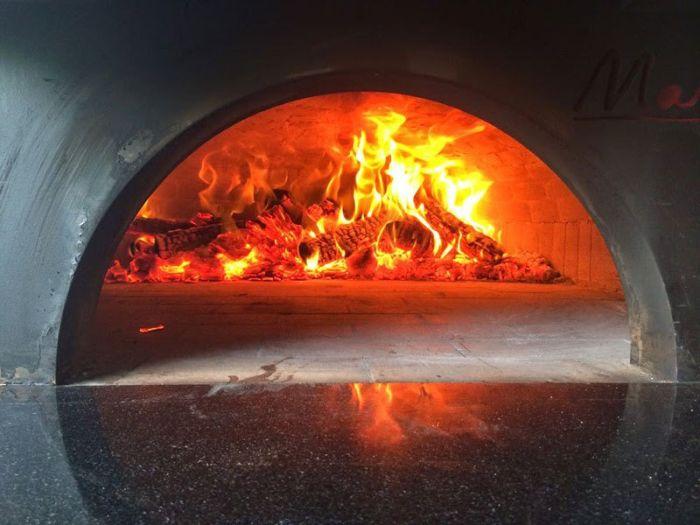 A Pizzeria On The Go (10 pics)