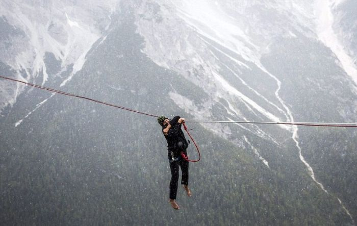 These Hammocks Are Built For Daredevils (12 pics)