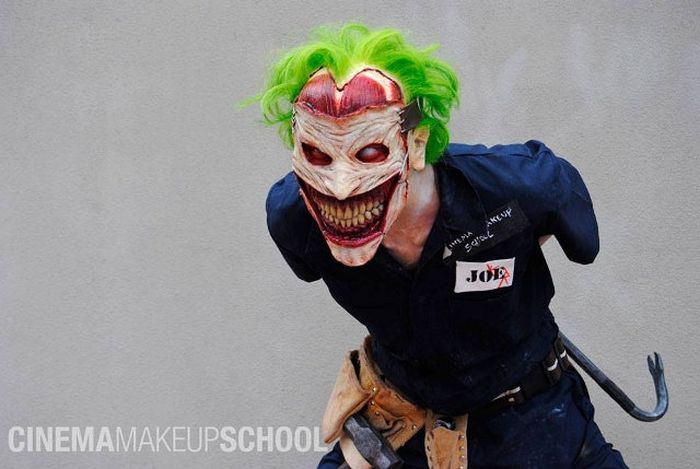 Scary Joker Mask (13 pics)