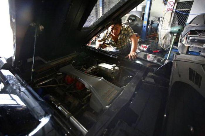 Lamborghini Diablo Built From Scratch (28 pics)