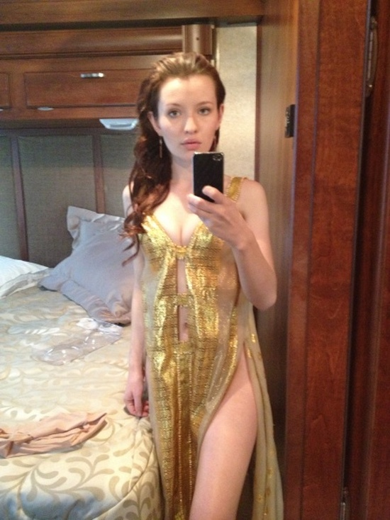 Emily Browning Hacked Photos (11 pics)