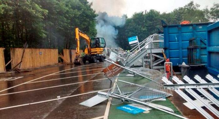 Man Destroys Recycling Center (13 pics)