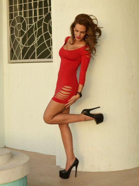 A Tight Dress Is A Good Dress (62 pics)