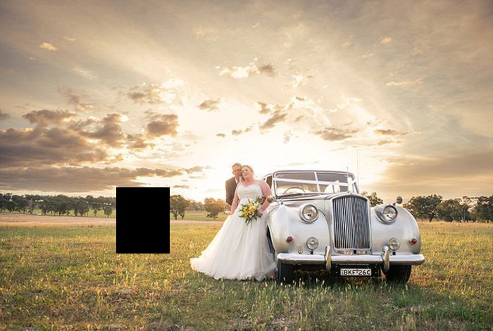 Couple Gets Unexpected Guest At Their Wedding (9 pics)