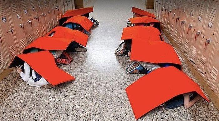 Bulletproof Backpacks Are Now Common In Schools (2 pics)