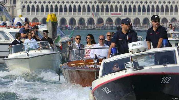 George Clooney And Amal Alamuddin Had A Beautiful Wedding (16 pics)
