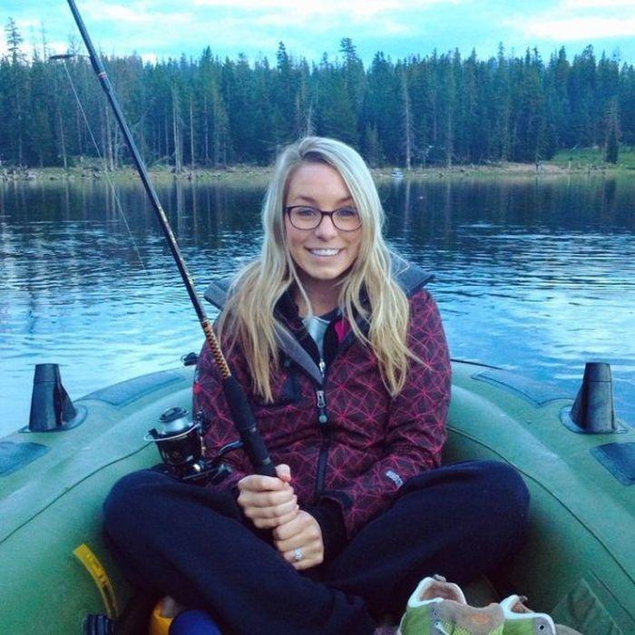 Girls go fishing 55 pics lolfun xyz for Girls gone fishing