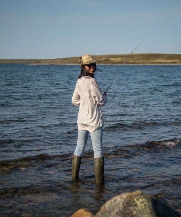 Girls Go Fishing (55 pics)